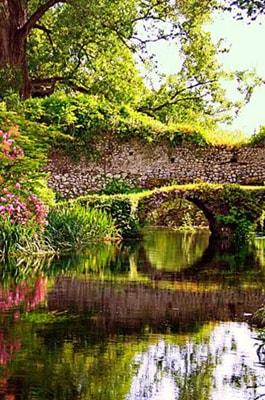 Giardino di Ninfa, Lazio Giardino di Ninfa, Italy